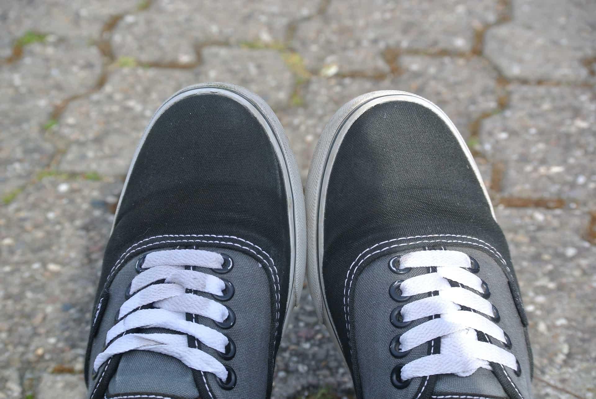 shoes-744621_1920