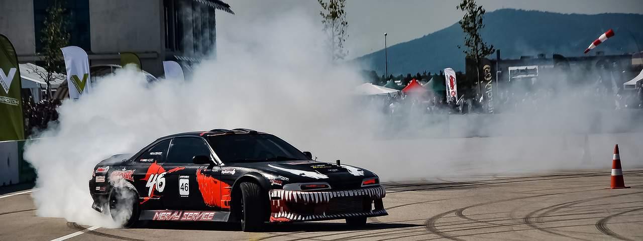 Jak stworzyć samochód do driftu?