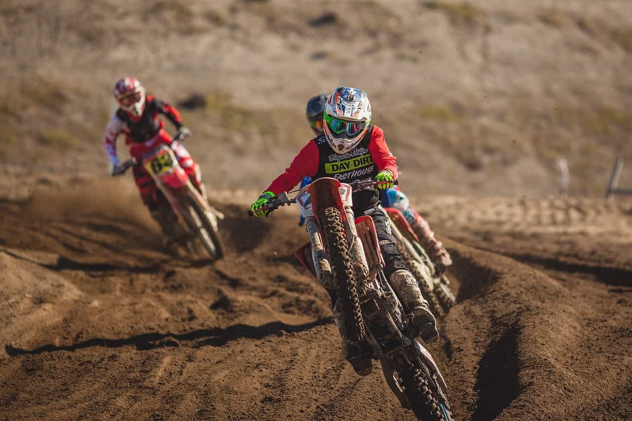 dirt-bike-828644_1280
