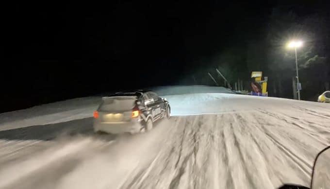 Kajetanowicz dokonał niemożliwego – wjechał rajdówką na szczyt góry