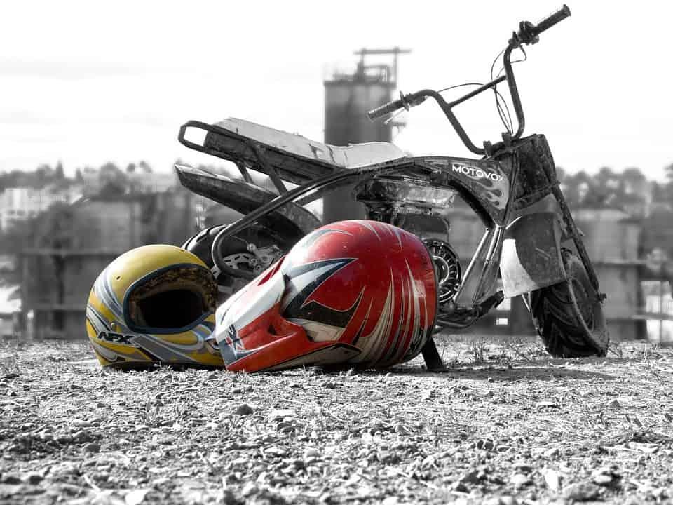 Mini ścigacze – co warto wiedzieć o tej kategorii wyścigów motocyklowych