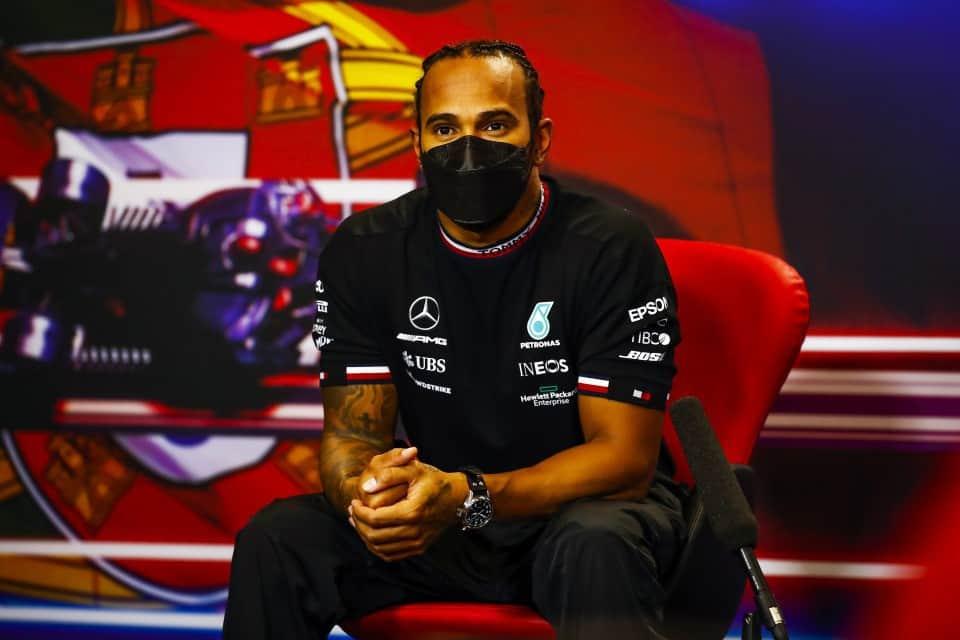 Formuła 1: Hamilton wywiera presję na Mercedesie w sprawie wyboru partnera