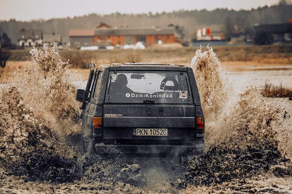 Nissan Patrol – co warto wiedzieć o legendzie offroadu?