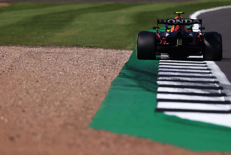 Grand Prix Wielkiej Brytanii  i kontrowersyjny wypadek Verstappena. Hamilton w ogniu krytyki!