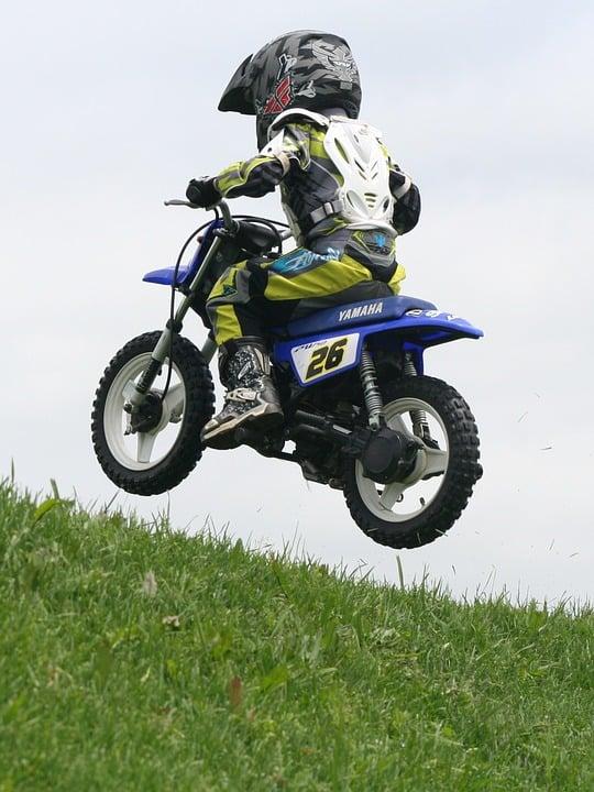 Pit Bike – poznaj wyścigi motocyklowe dla amatorów