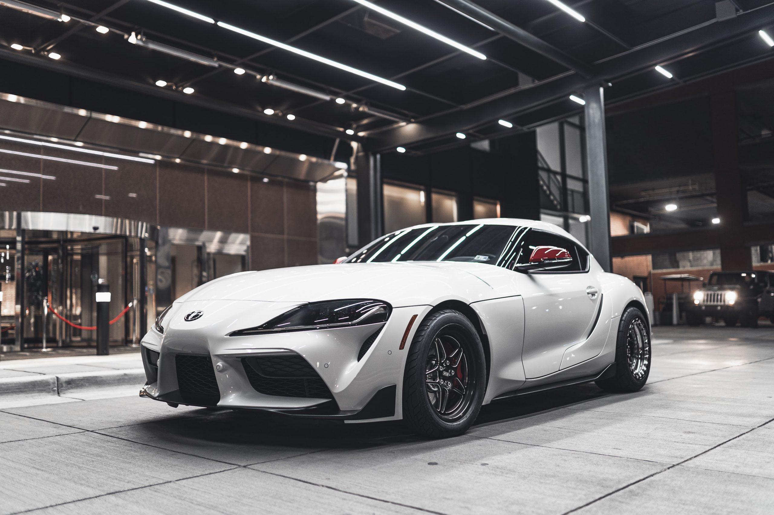 Zakup auta sportowego – dostępne możliwości