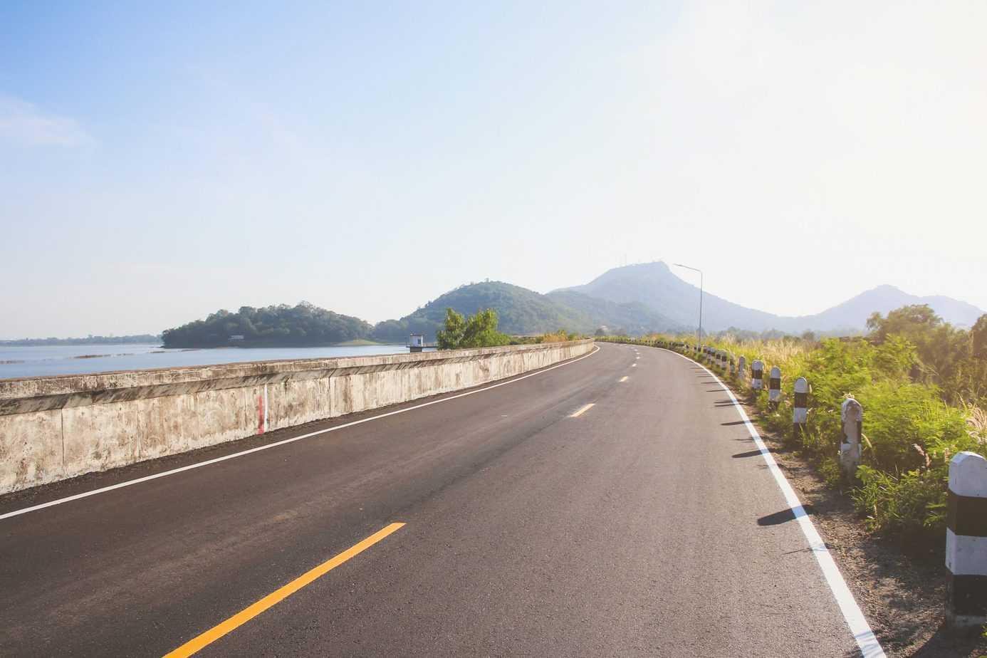 Wszystko, co trzeba wiedzieć o lustrach drogowych